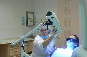 отбеливание zoom (зум) - врач - стоматология рико